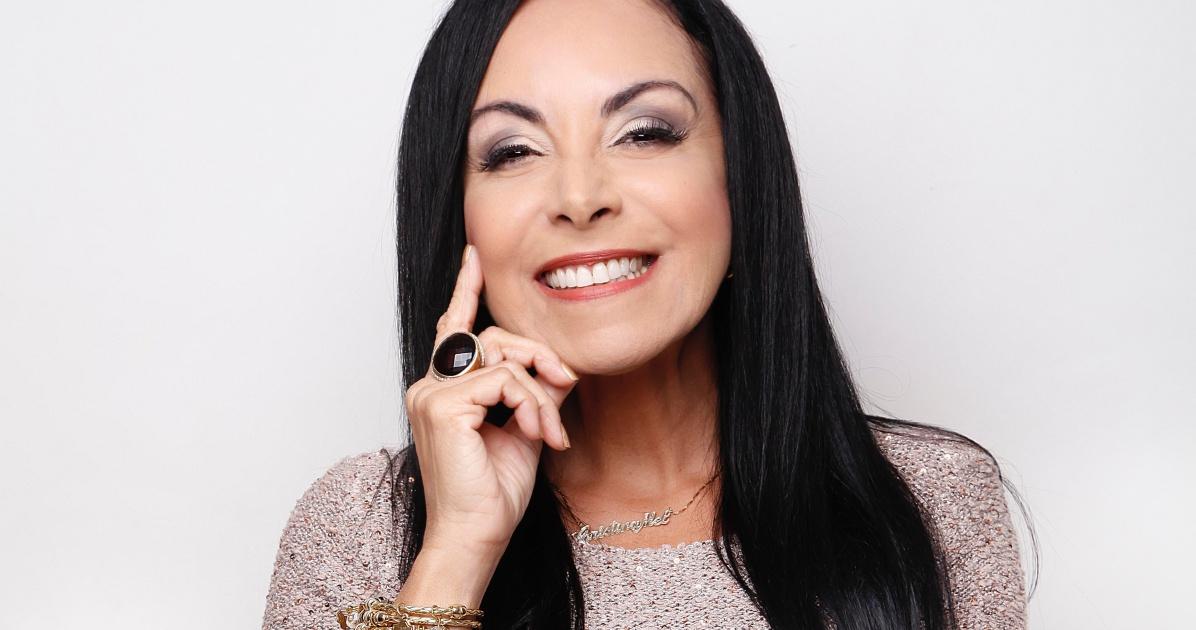 Cantora gospel Cristina Mel