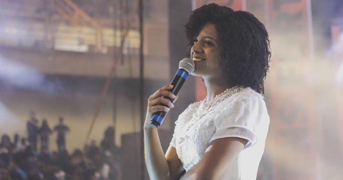 Cantora gospel Kemilly Santos (Reprodução)