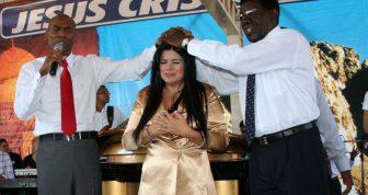 Cantora gospel Mara Maravilha