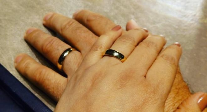 Alianças da cantora gospel Celia Sakamoto e seu novo marido