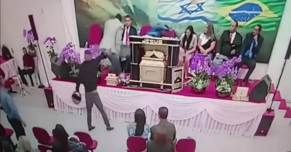 momento dos disparos durante o culto (Reprodução Internet)