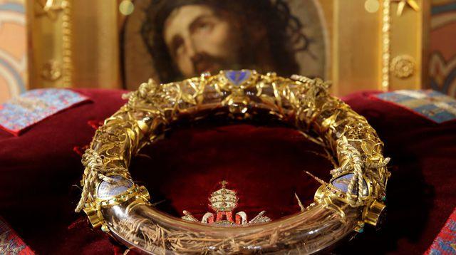Coroa de espinhos usada por Jesus estava na Catedral de Notre-Dame