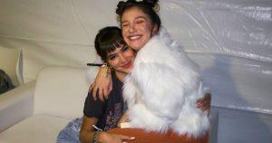 Bruna Marquezine e a cantora gospel Priscilla Alcantara