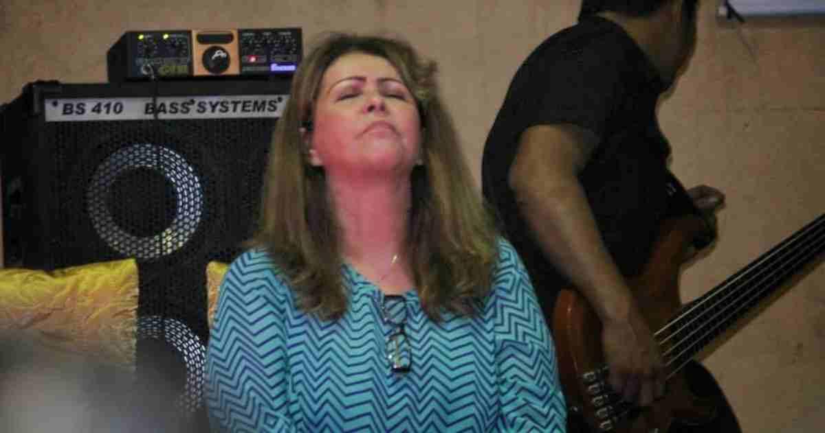 Cantora gospel Shirley Carvalhaes