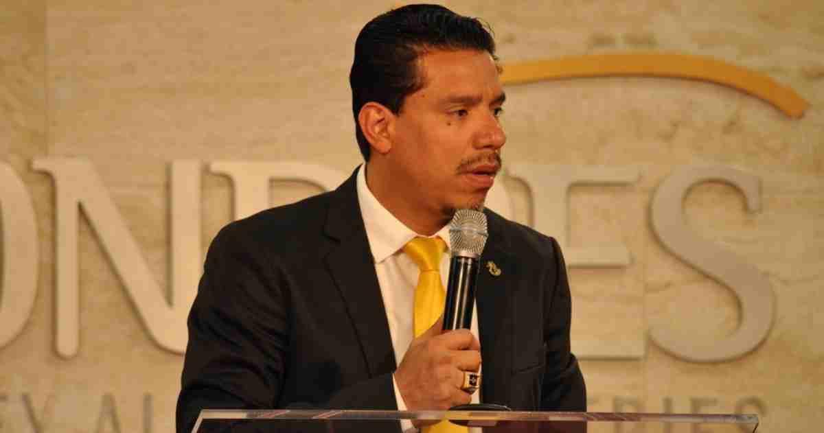 Pastor Anderson do Carmo pregando na ADLondres