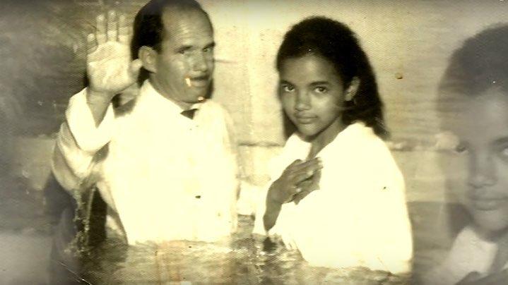 Flordelis sendo batizada - Arquivo pessoal