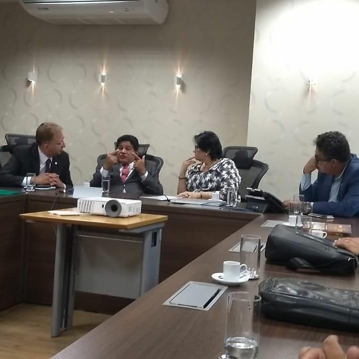 Pastor Gilmar Santos com a Ministra Damares Alves