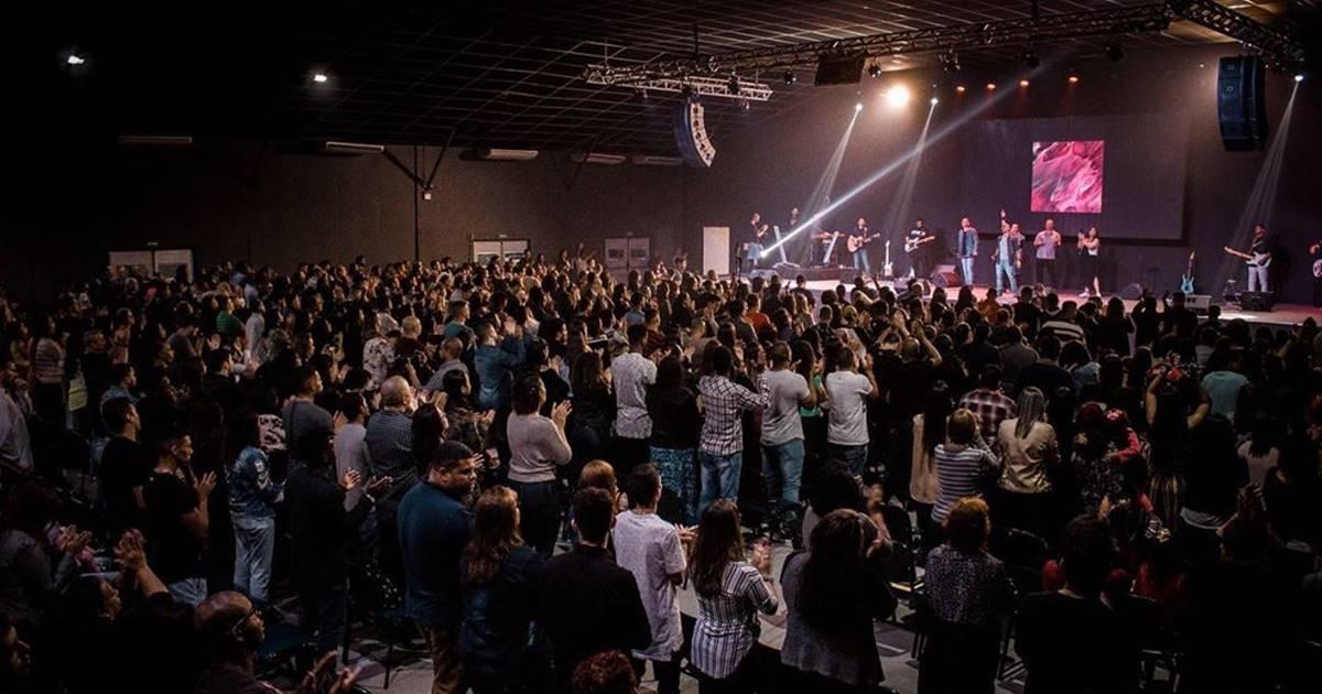 Igreja liderada por cantor gospel (Reprodução)