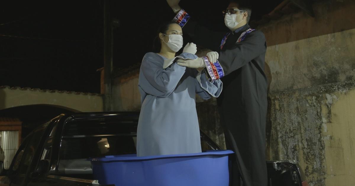 Batismo durante pandemia do coronavírus (Reprodução)